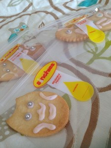 Baby Shower thank you gift - Owl shaped biscuit in a Sinchies snack bag