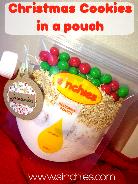 Christmas-cookies-in-a-sinchies-reusable-pouch