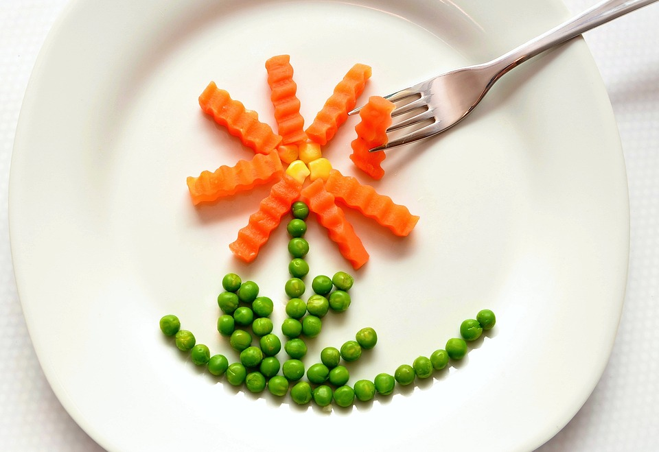 How to Get Kids to Eat Vegetables: 8 Tips For Parents